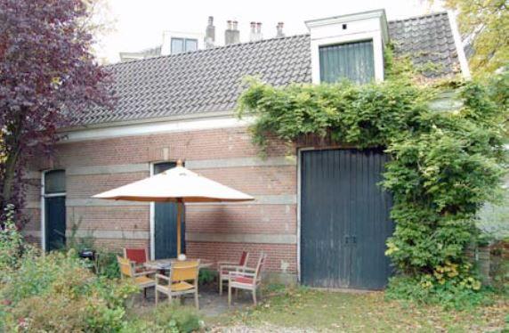 Koetshuis Burgemeester Dijkmeesterweg 7